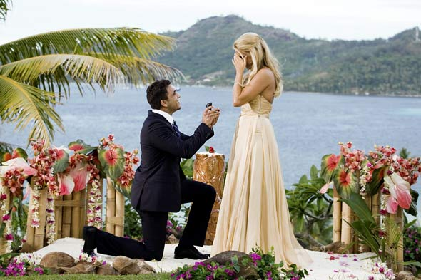 the-bachelorette-finale-ali-fedotowsky-roberto-proposal-590kb080310